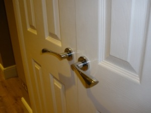 door-handles-basildon-chrome