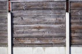 choosing the right garden fence panel